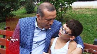 Erdoğan, balkondan sevgi gösterisinde bulunan Arda isimli çocukla sohbet etti
