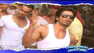 Tu Mere Agal Bagal Hai Song Making - Phata Poster Nikla Hero Behind the Scene