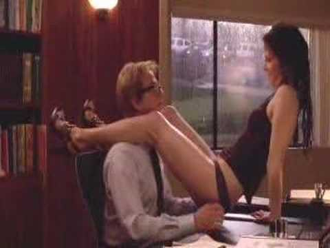 Weeds Nancy & her boss get it on S03E07