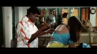 kareena kapoor nice romance scene