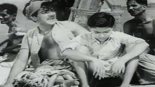 Kids Try to Fool Mehmood | Jagriti (1954) | Comedy Scene 1/19