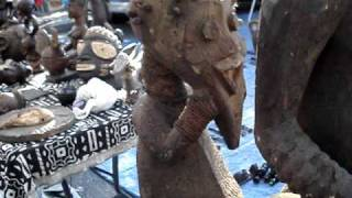 African art: tribal masks, statues, bronze works, ritual objects, totems.