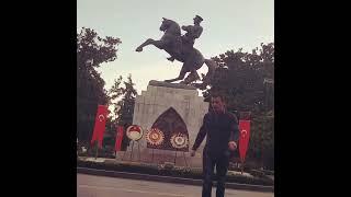 Atanın Yanında Gölge Boksu..  29 ekim Cumhuriyet Bayramımız Kutlu Olsun ..