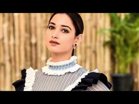 Tamanna smoking hot skirt without panty at event Indiatoday's SouthConclave 2017