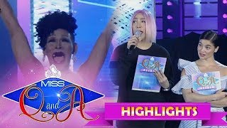 It's Showtime Miss Q & A Resbek: Angelika confuses the Showtime staff with her answer