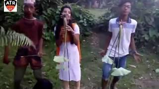 দেখুন গ্রামের ছেলে-মেয়েরা কি করে, gramer cele meye funny song