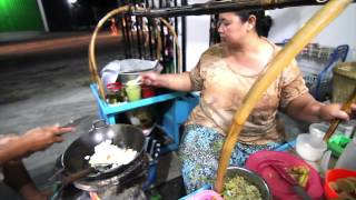 KULINER INDONESIA : Sop Masak Kediri Bikin Goyang Lidah