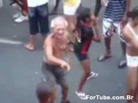 Vovo velhinho do rebolation veio velho tarado safado dancando aprendendo dancar