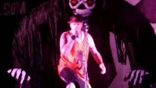 Vanilla Ice performs at GOTJ 2013 & hits a bong