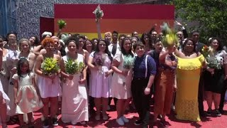 البرازيل: مثليو الجنس يسابقون الزمن وينظمون حفل زواج جماعي والسبب..…