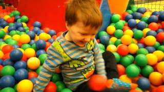 KIDS PLAYGROUND fun Play Place for Kids play centre ball playground with balls playroom