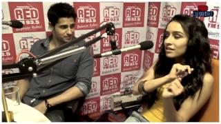 Shraddha Kapoor singing 'Teri Galiyan'