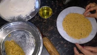 मार्केट जैसे खाखरे बनाये घर पर | Gujarati Masala Khakhra Recipe