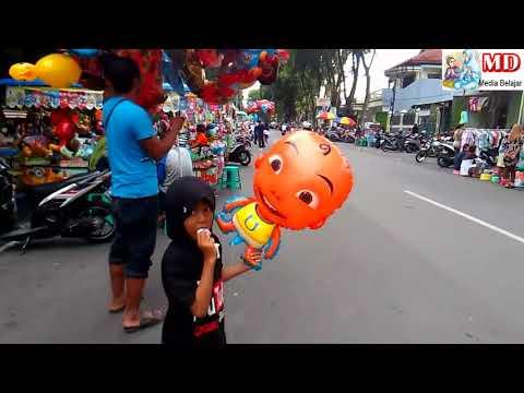 Xxx Mp4 Banyak Penjual Balon Mainan Qyla Beli Balon Helium Upin Dan Dilepas KUN Anta Versi UpinIpin 3gp Sex