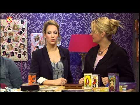 Xxx Mp4 Esther Van Heerebeek Over Tarotkaarten En Tarotdeks 3gp Sex