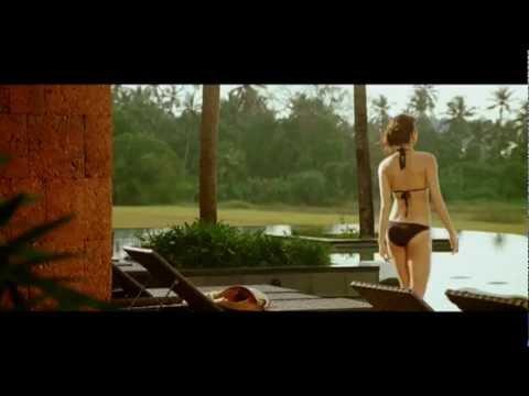 Anushka Sharma hot in bikini
