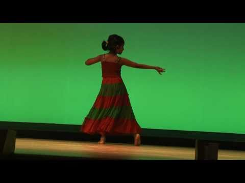 Aaja Nachle - TJ's first Solo Dance 6 years old...