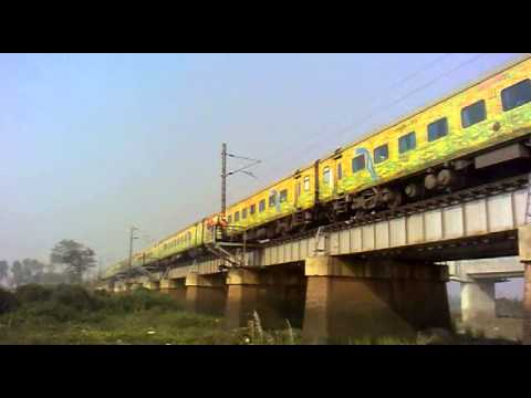 Fastest Train between Kolkata & Mumbai Destroying the Khirai Bridge at 110 km/h!!!!