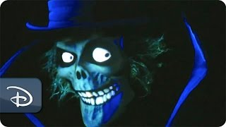 Hatbox Ghost Reappears in Haunted Mansion | Disneyland Resort