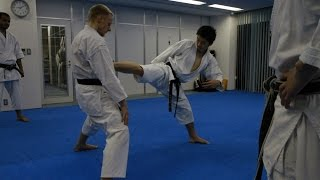 Mikio Yahara: Yoko Kekomi Geri. Training in KWF Honbu Dojo 2012