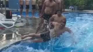 Pro kabaddi 2017 u mumba team enjoyed at pool