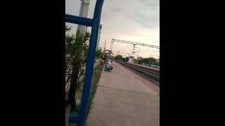 Train in monsoon shatavahana express from Hyderabad to Vijayawada blasting through moulali