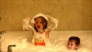 Teah and Cole take a bubble bath