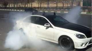 Homayoun Nassiri doing Burnout with Kleemann Mercedes C350