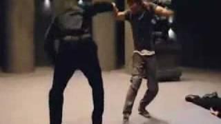 Tony Jaa vs. Bodyguards Fight Scene ( Revenge of the Warrior )