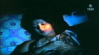 Annapparavai Movie Romantic Scene