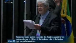 """Discurso de Requião impediu votação de projeto de Serra: """"Não é um projeto, é um rolo"""""""