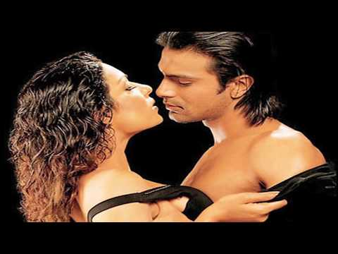 Veena Malik Caught Kissing Ashmit Patel