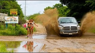 Ultimate IDIOT FUNNY DRIVERS, CRAZY FUNNY Winter FAILS 2017