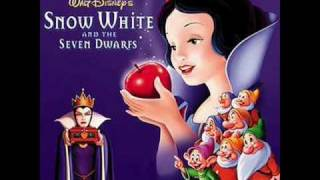 Snow White and the Seven Dwarfs soundtrack: The Silly Song (Swedish)