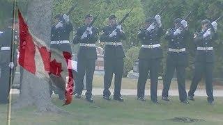 A First World War veteran finally receives a proper military funeral.