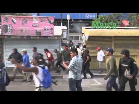Se enfrentan policías y transportistas en la Central de Abasto de Oaxaca