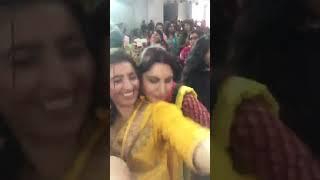Indian Punjabi Bhabhi Boob Press in Marriage - Hot Aunty