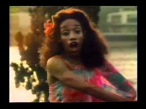 Download SISTER SLEDGE - WE ARE FAMILY (1979) OFFICIAL VIDEO