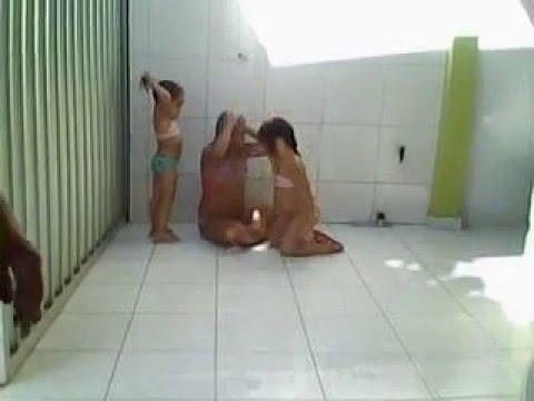 mulheres no banho 01