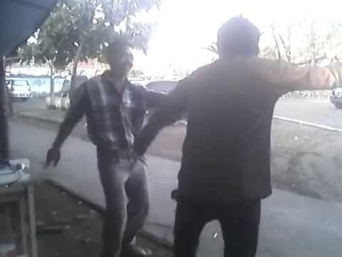 bos balong vs tukang parkir