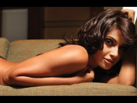 Xxx Mp4 सर्दी में भी गर्मी का अहसासः Hot Sexy Bipasha Basu Photos 3gp Sex