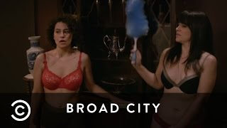 Cleaning In Underwear For Lil Wayne | Broad City