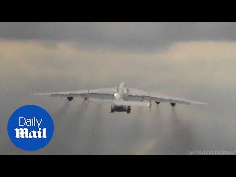 Xxx Mp4 Worlds Biggest Plane Uses All SIX Engines For Epic Take Off 3gp Sex