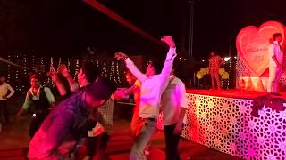very funny.......best dance on dj ever on indian wedding song