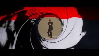 Moonraker (1979) Gunbarrel - Roger Moore