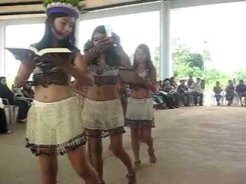 04 Presentación de ofrendas Eucaristía en el Colegio ABIA YALA Sucumbios Nbre. 2008