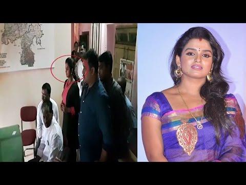 Breaking News !! Telugu Tv Actress Sri Vani Hulchal in Police Station   REPORTERBOX