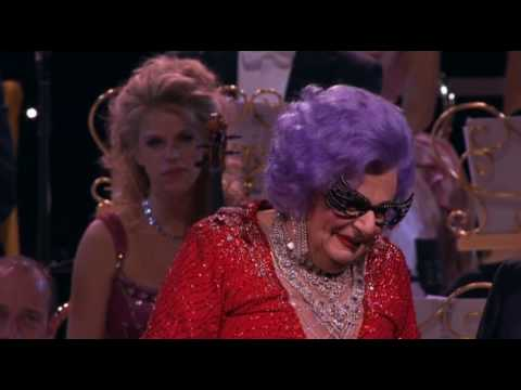 andra rieu in sydney 2009 with dame edna everage part 1