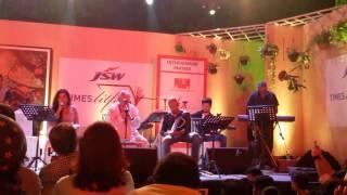 Maine Toh Kuch Live  Gulzar  Shantanu Moitra Shreya Ghoshal Times Lit Fest 2016