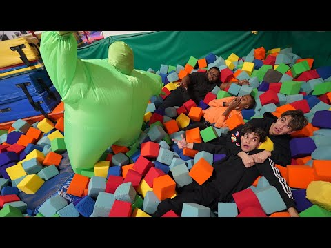 Last To Leave SCARY FOAM PIT WINS 10 000